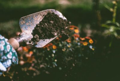 Mangler du grus, sand eller sten til projektet? Grusogaffald.dk leverer